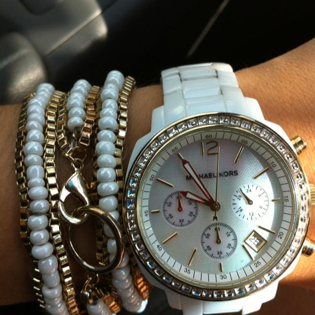 Never leave my wrists bare!: Wrist Bare