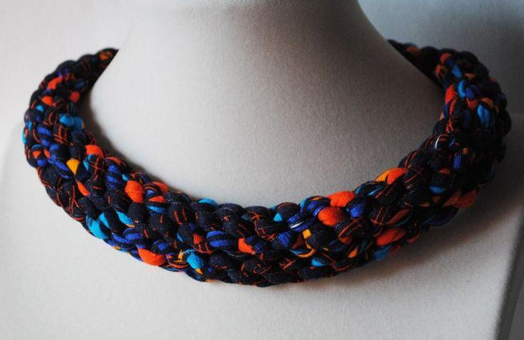 Collana di tessuto intrecciato multicolore di DUDO  ACCESSORI su DaWanda.com