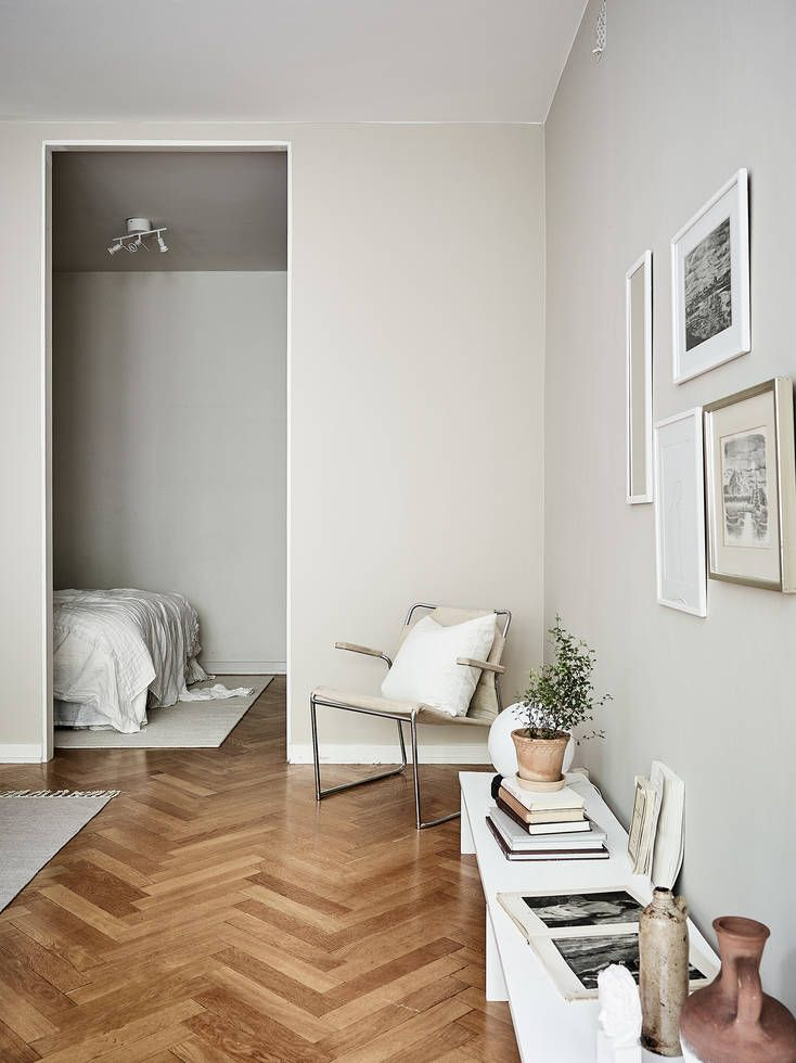 Minimal home in warm colors - via Coco Lapine Design blog