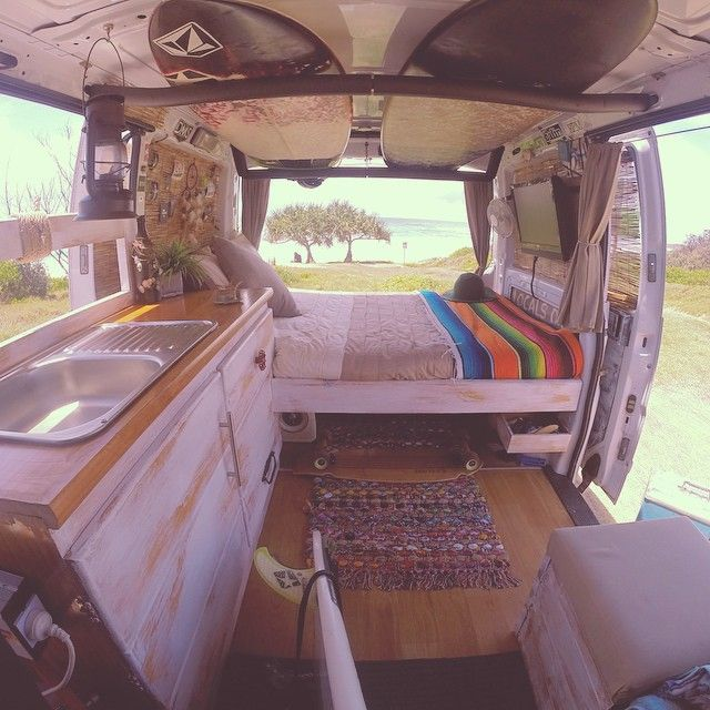 The 25 best kombi interior ideas on pinterest vw t5 for Vw kombi interior designs