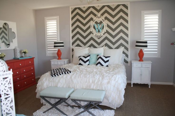 Bedroom. Elegant Master Bedroom Design With Double Louvered Window Blinds And Beautiful Queen Size Beds Which Has White Bed Sheet Plus Cute Pillows As Well As Grey White Chevron Wall Art Decor As Well As Home Decoration Bedroom And Designing Bedrooms. Gorgeous Wall Decorating Ideas For Bedroom