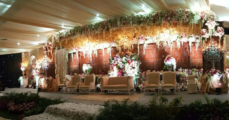 Beautiful Indonesian Traditional Wedding Reception