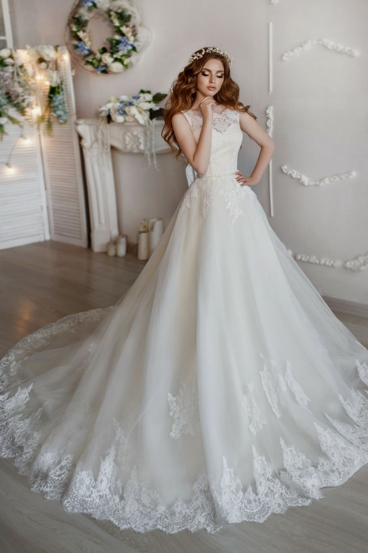 Obtain Inspirations For Your Own Wedding Dress With Our Large Wedding Dress Image Files Album Beautiful Wedding Dresses Wedding Dresses Wedding Dress Catalog