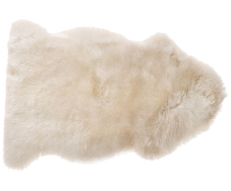 Gehen Sie mit Schaffell-Teppich Agnetha in Beige wie auf Wolken. Entdecken Sie weitere kuschelige Felle von NATURES COLLECTION auf >> WestwingNow.