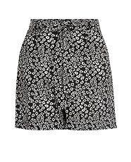 Black Pattern (Black) Black Daisy Print Tie Front Shorts | 298923109 | New Look | £14.99