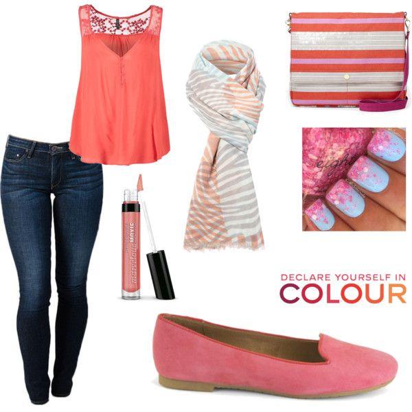 """""""Color coral, cómodo, divertido y actual."""" Encuentra los zapatos en www.2feet-online.com"""