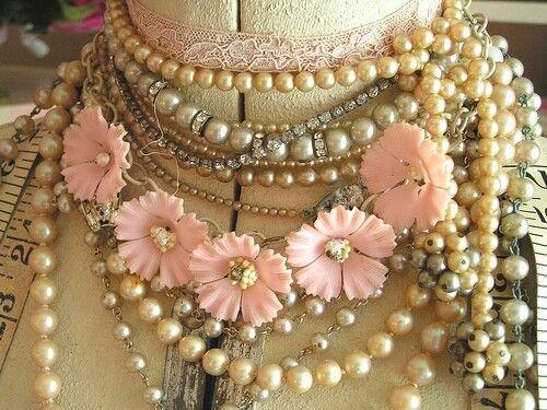 Vintage flower neckless jewelry