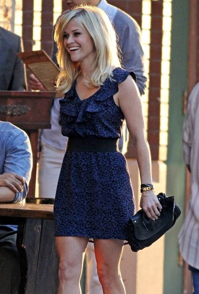 Reese Witherspoon - I love her hair cut here. Need to take