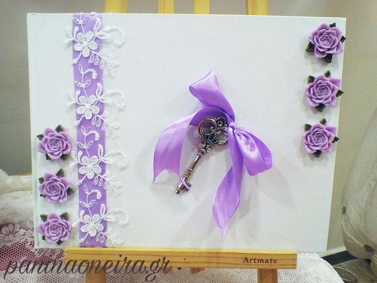 Handmade guestbook with ribbon, lace and the key of the heart!!!