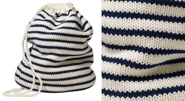 Le sac de marin en tricotAccessoire fétiche des matelots, ce mini-sac est destiné aux enfants. Avis aux tricoteuses débutantes, il est tricoté en jersey, donc très facile à faire ! Alors, on embarque ?