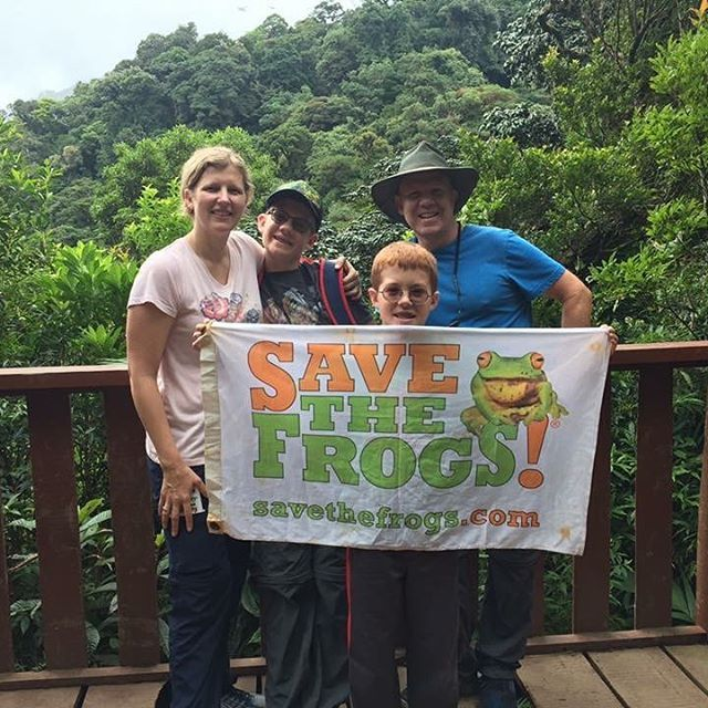 The SAVE THE FROGS! Costa Rica Ecotour: perfect for families. www.savethefrogs.com/costarica #families #travel #ecotours #costarica #puravida #monteverde #frogs #savethefrogs #cloudforest #continentaldivide #flags #kids #family #centralamerica #forest #hiking #amphibians