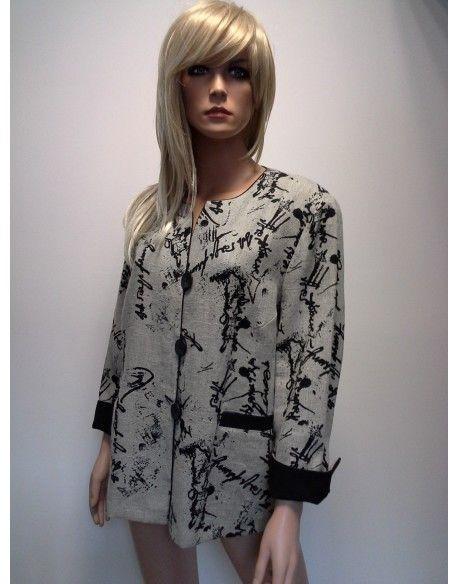 ŻAKIET-LEN  245,00 zł brutto Stan:  Nowy produkt  rozmiar XL  kolor beż nadruk czarny  eleganckie i nowoczesne wzornictwo