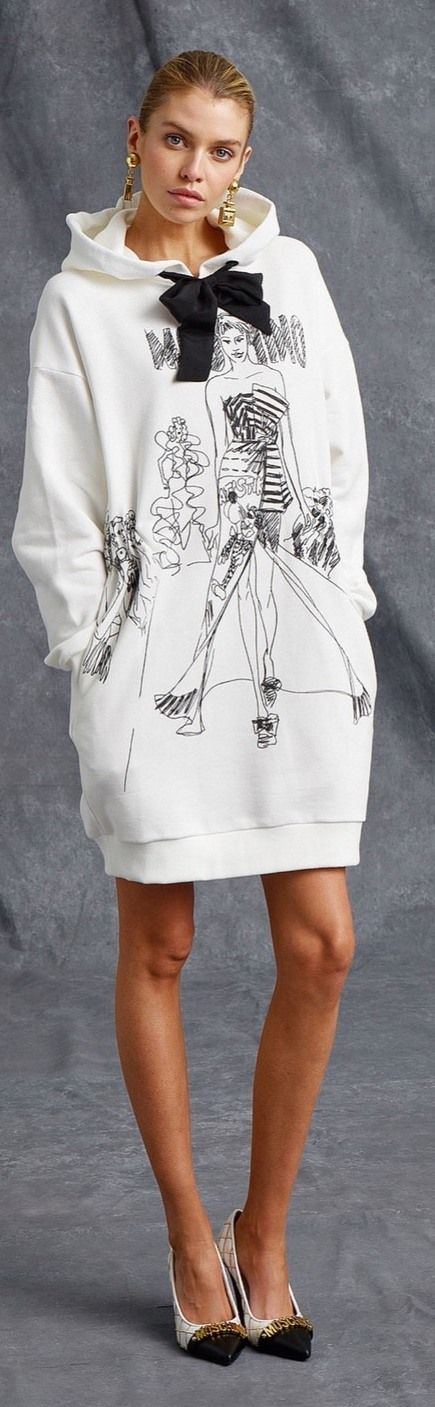 Resort 2016 Moschino #sportchic <3 <3 in love