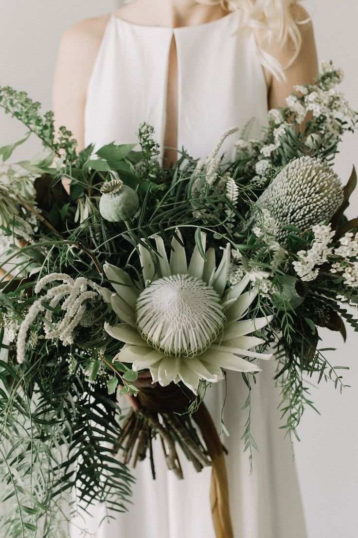 Amazing Florals | Real Wedding Britt + JD | Intimate + Cool + Modern Palm Spring Wedding | Destination Wedding | Dress: 'Lincoln' by Rebecca Schoneveld | Floral: Rooted & Wild Co. | Photos: Lindsey Plevyak | Venue : The Modern Territory | Design & Planning: Woven & Wed | a&bé bridal shop | #aandbabe | Check out the blog to see their wedding video!