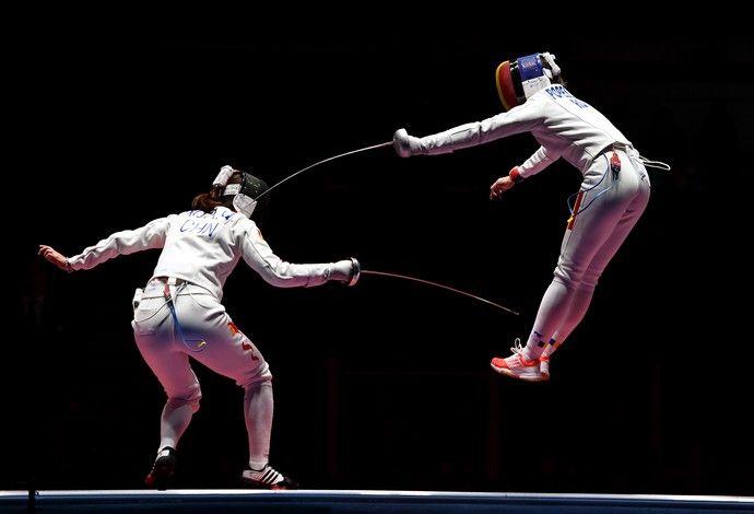 GALERIA - Romena Ana Maria Popescu disputa a medalha de ouro contra chinesa Anqi Xu of China (Foto: Laurence Griffiths/Getty Images)