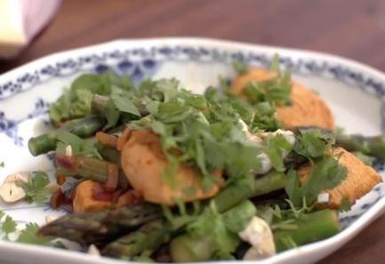 Opskrift til aftensmad under 5:2 Kuren: Thai kylling (290 kalorier)
