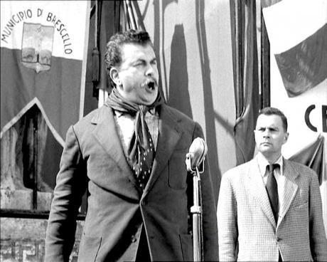 Don Camillo e l'onorevole Peppone - Gino Cervi
