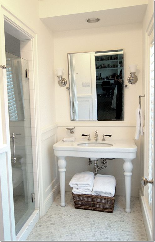 95 best images about 1940s bathroom on pinterest pink for Bathroom ideas 1940