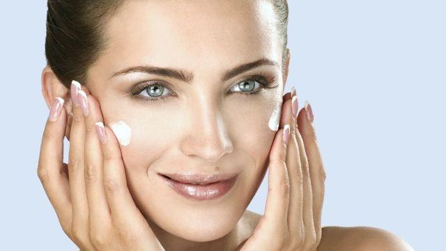 obličejová jóga - Konečně něco, co skutečně zabírá na vrásky: Toto by měla dělat každá žena!