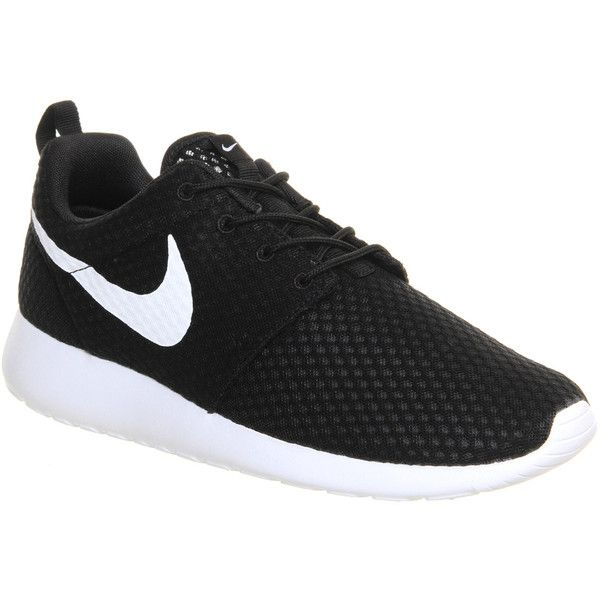 Nike Roshe Run ($105) ❤ liked on Polyvore featuring shoes, sneakers, nike, flats, trainers, black mono br, unisex sports, flat shoes, kohl shoes and black shoes