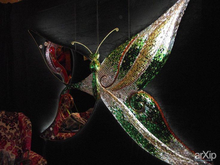 """Фото Зеркало """"Бабочка"""".Мозаика.190*133 см.Светодиодная подсветка. - интерьеры, каталог товаров, прихожая, холл, вестибюль, фойе, современный, модернизм, ресторан, кафе, бар, 200 - 500 м2, высокий, зеркало, современный, модернизм, серый, серебристый, зеленый"""