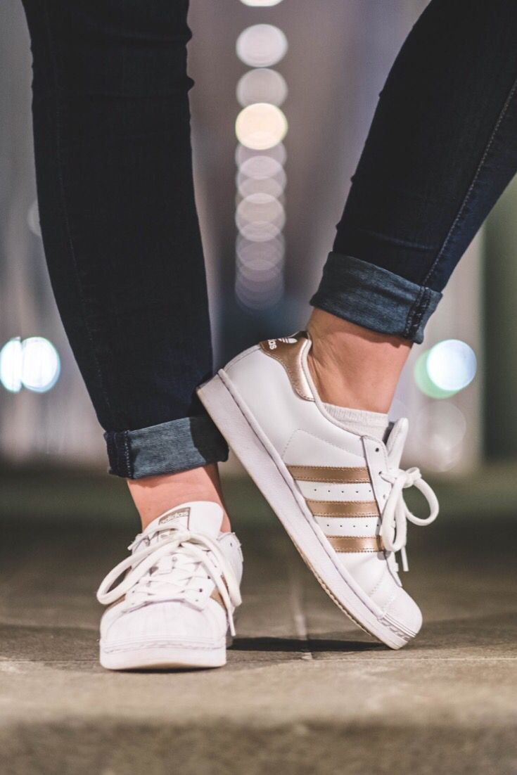 061c2002325c This is how to wear my Adidas superstar originals sneakers! This is one of  my favorite outfit for women. It's my favorite thing to wear as a part of  my ...
