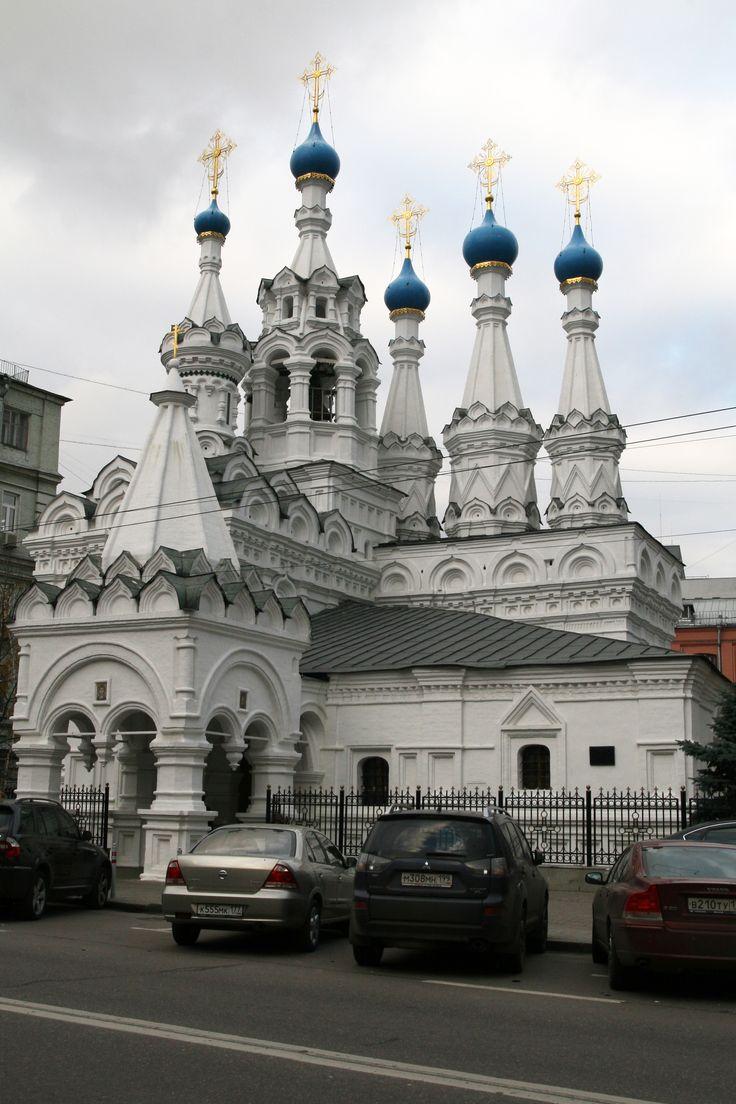 žХрам Рождества́ Богоро́дицы в Пути́нках в Москве (ул. малая дмитровка)  1649 - 1652. Церковь включала в себя: вытянутый с севера на юг четверик, увенчанный тремя шатрами, пониженный прямоугольный алтарный объём, кубообразный придел Неопалимой купины, увенчаный завершением в виде шатрика на барабане, двухъярусную колокольню. Пристроена входная часть.  Последняя шатровая каменная церковь в Москве.