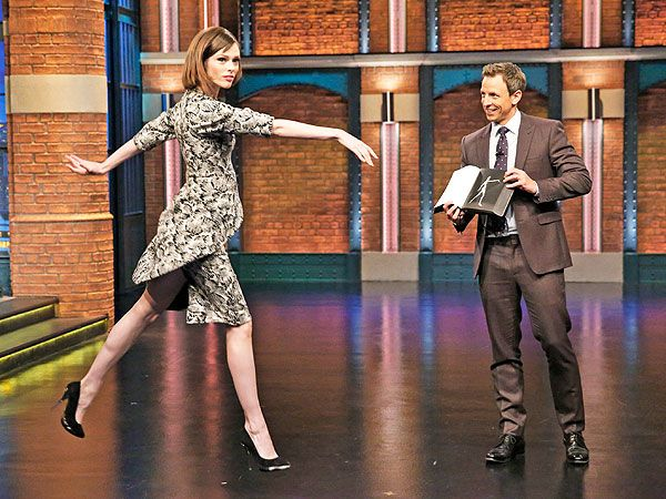 Pregnant Coco Rocha Shows Seth Meyers Some ModelingMoves http://celebritybabies.people.com/2014/11/05/coco-rocha-pregnant-seth-meyers-model-study-of-pose/