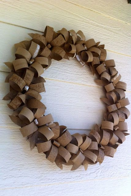 Carboard Party Decoration - Toilet Paper Wreath from momandtheblonds.blogspot.com