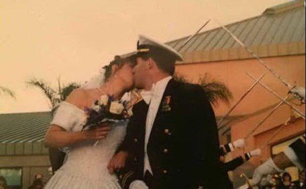 La moglie è malato e il marito gli dona una parte del suo corpo per l'anniversio di matrimonio - http://www.sostenitori.info/la-moglie-malato-marito-gli-dona-parte-del-suo-corpo-lanniversio-matrimonio/276659