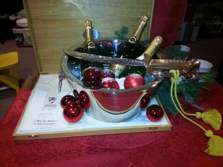 De champagnes staan klaar om te sabreren ....
