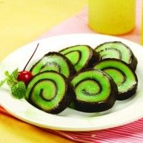 KUE PEPE GULUNG http://www.sajiansedap.com/mobile/detail/10884/kue-pepe-gulung