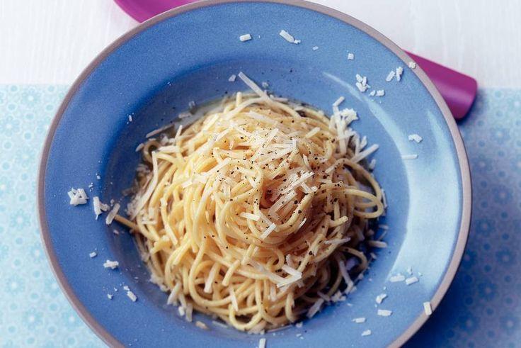 Kijk wat een lekker recept ik heb gevonden op Allerhande! Spaghetti met boter en…