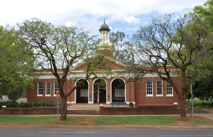 Griffith Court House, NSW.
