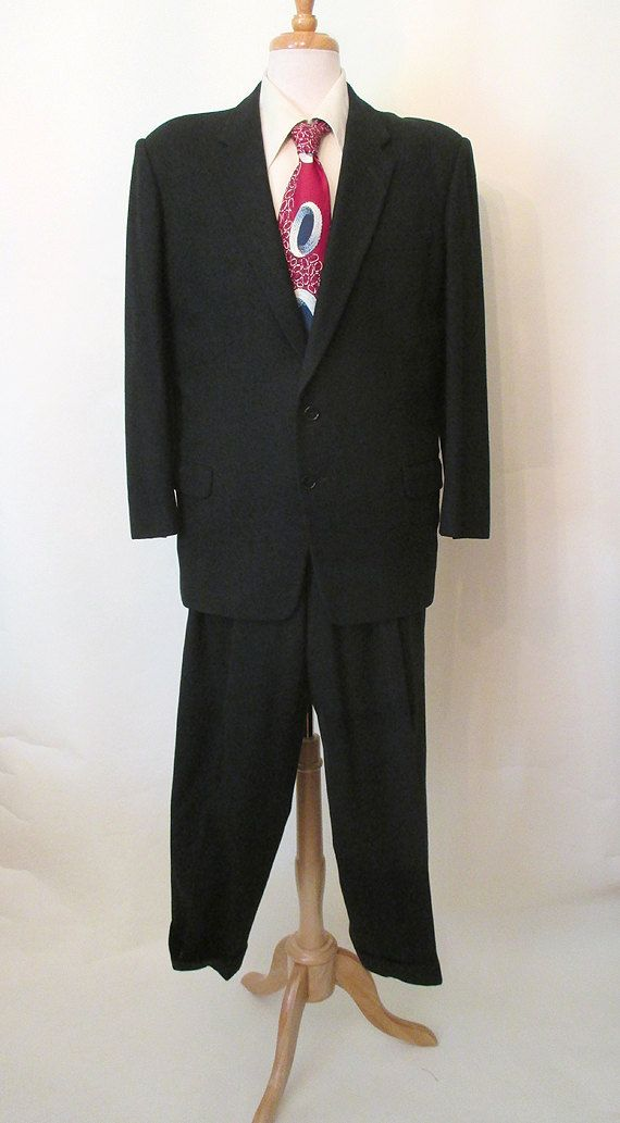Classic 1950's M Charcoal Grey Suit w/ White by LoungeActVintage