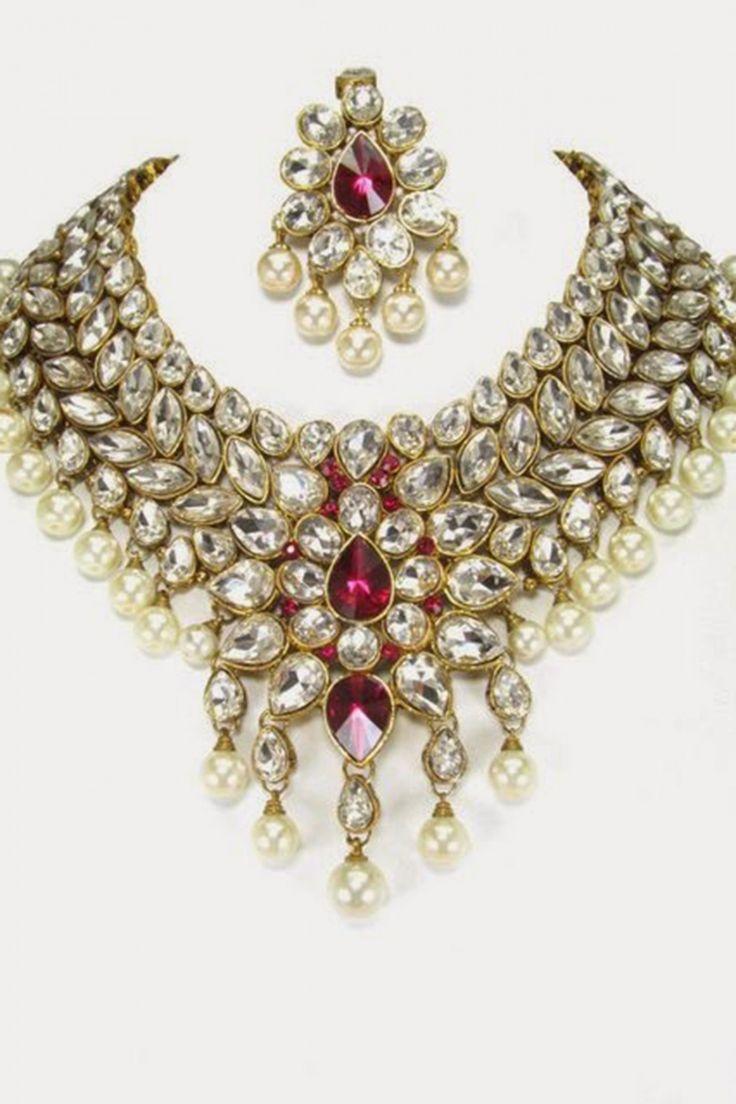 Look beautiful with White Color Necklace Set Shop now..  http://zohraa.com/white-color-necklace-set-z2016p76797-44.html sku : Z2016P76797-44  Rs. 6,549 #jewelleryonline #fashionjewellery #artificialjewellery