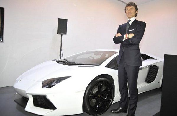 Lamborghini, one of the largest selling sportscar companies in the world have opened their second dealership in India. Tthe new Lamborghini dealership is located on Prabha Devi road and will be managed by Auto Hangar. Lamborghini till date was only present in the country through Exclusive Motors in New Delhi. Lamborghini has also opened a new showroom in Moscow, Russia together with Burevestnik Group, a luxury auto and yacht company.