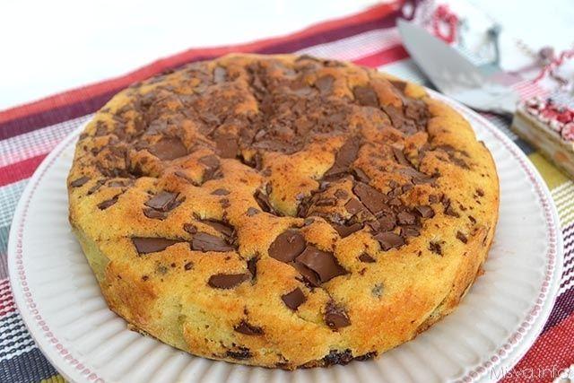 La torta stracciatella è una ricetta perfetta anche per consumare il cioccolato delle uova di Pasqua. Ebbene si, incredibile ma vero avevo ancora un uovo di cioccolato