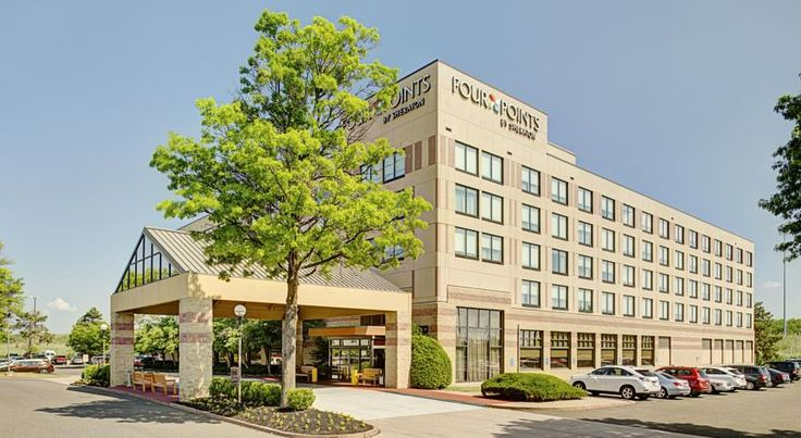 Four Points by Sheraton Philadelphia Airport Philadelphia Four Points offers modern, air-conditioned rooms just 6 minutes' drive from Philadelphia International Airport and 15 minutes' drive from downtown Philadelphia. It has an on-site café.