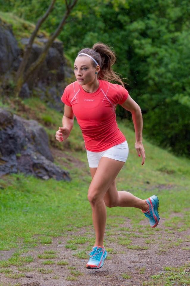 Dorothea Wierer running