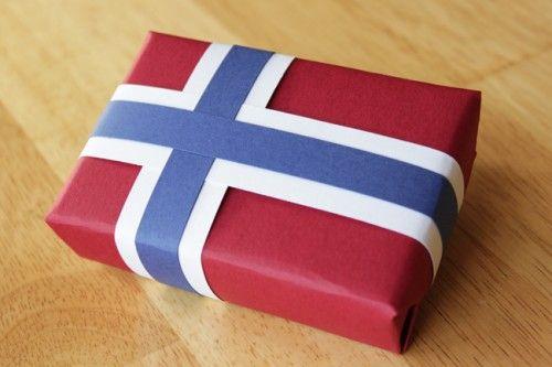 Norwegian flag giftwrap!! I'm SO doing this!!!