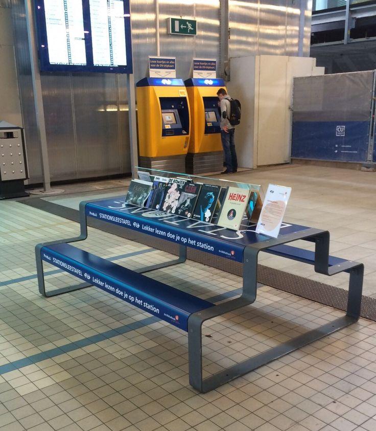 Op de leestafel op Utrecht CS vindt de reiziger graphic novels die het wachten kunnen veraangenamen en lezen stimuleren. Dit is een pilot waarop reizigers kunnen reageren via #stationsleestafel. De boeken zijn bedoeld om aan de leestafel te lezen.  #stationsbieb #TrainStationLibrary