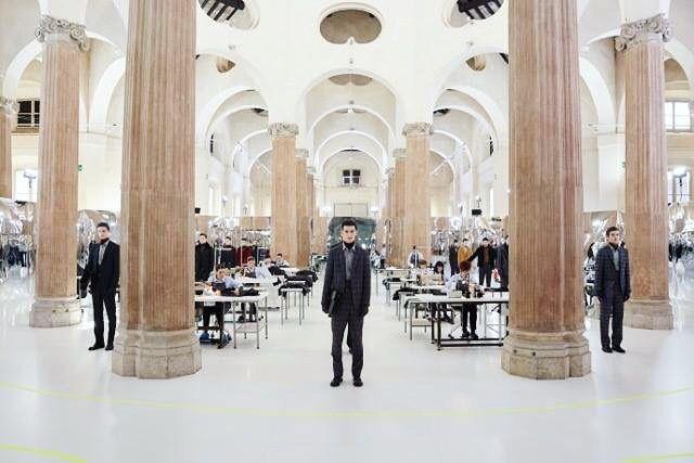 15 января в Милане состоялась презентация новой коллекции Pal Zileri @palzileri сезона Осень/Зима 2017-18. Коллекция закрепляет талант модного дома объединять накопленный опыт с последними тенденциями переводя все уникальные технологии портняжного мастерства на язык современной эстетики. #PalZileri  via INSTYLE RUSSIA MAGAZINE OFFICIAL INSTAGRAM - Fashion Campaigns  Haute Couture  Advertising  Editorial Photography  Magazine Cover Designs  Supermodels  Runway Models