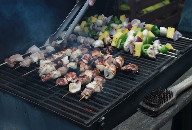 Grilling Kabobs @collectandcarry.com
