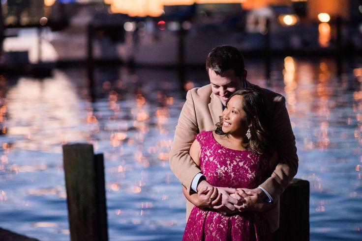 Jacksonville FL Photo shoot location, www.angelitaesparar.com, Jacksonville photography, couples poses, engagement, The landing, friendship fountain, engagement ideas, light and dark photography by @angelita