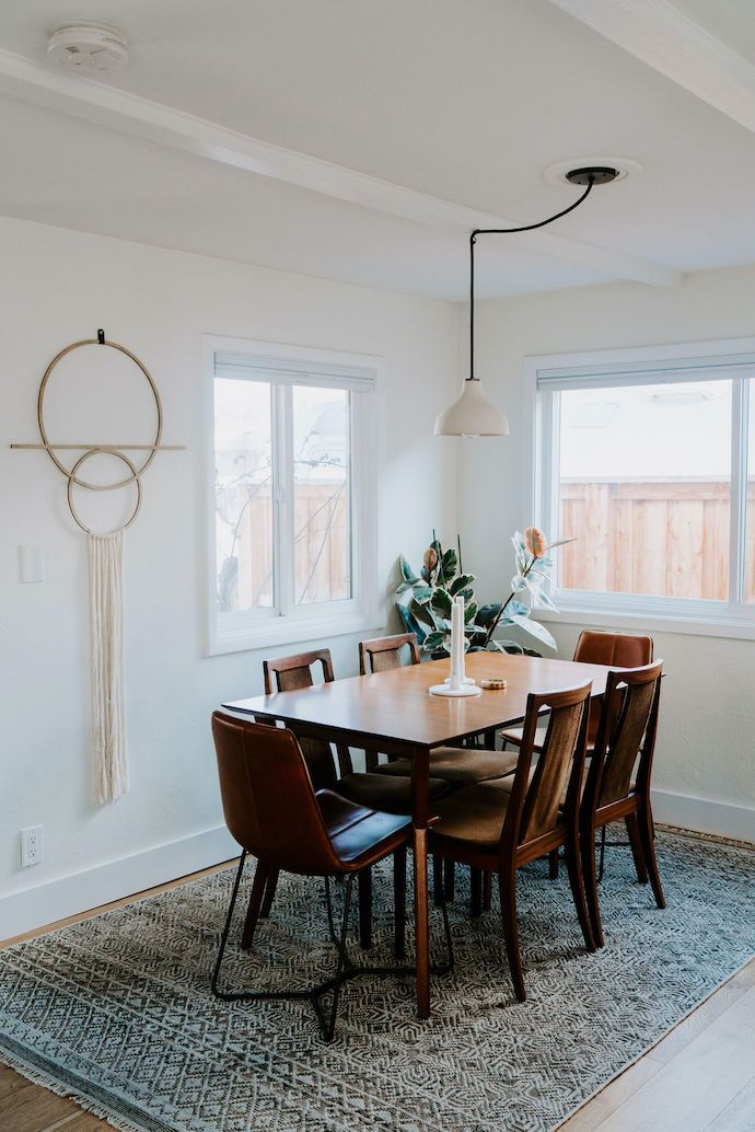 Anna Jacobs Takes Us Through Her Minimalist At Heart Aesthetic Minimalist Dining Room Vintage Dining Room Home Decor