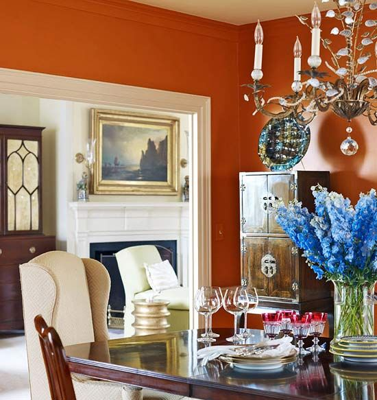 Bold Colors Apartment Kitchen Decorating Ideas: The Bold Color Of The Dining Room With The Crown Molding