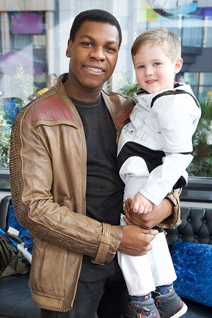 As if John Boyega couldn't get any more perfect, the Star Wars actor visited the children's ward at the Royal London Hospital on Sunday in character as Finn. | John Boyega Just Granted This Little Boy's Wish To Meet Finn