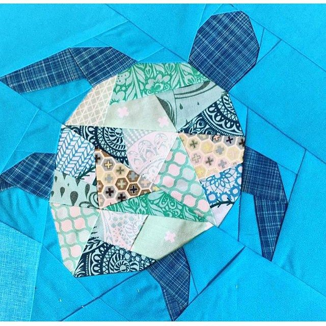 "271 Likes, 25 Comments - Kristy Lea (@quietplay) on Instagram: ""Geometric sea turtle! Pattern will be released mid Nov. This fab tester block by @katealicea  In…"""