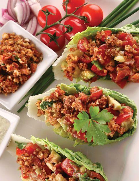 TACOS (vlašské orechy, mandle, suš. paradajky, tamari; rímsky šalát, paradajky, avokádo, čerstvý koriander; mandľové mlieko, mandle, miso...)